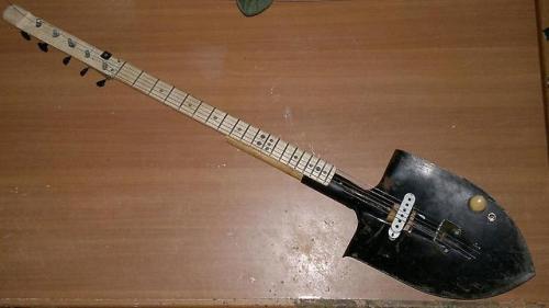 Прикольные и до ужаса смешные фотографии гитар.